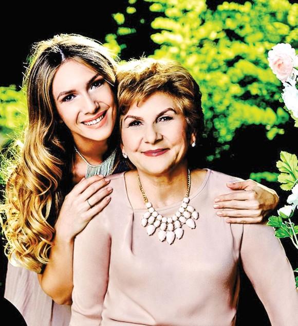 adela-popescu-mama