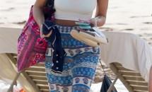 Jessica Alba, apariţie fashion pe plaja din Hawaii!