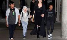 Mereu în ton cu moda! Angelina Jolie şi copiii săi, apariţii fashion la aeroport!