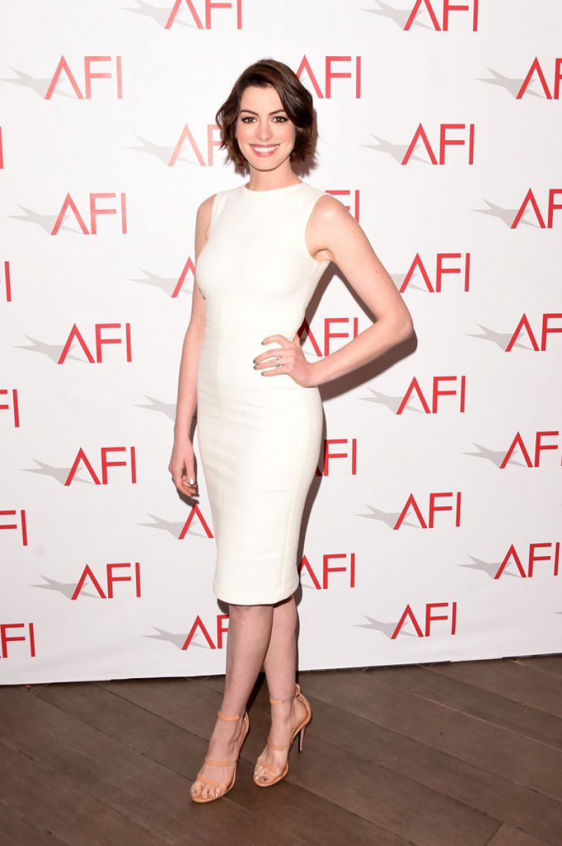 anne-hathaway-2015-afi-awards-in-los-angeles_3