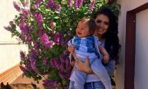 Andreea Mantea, o mămică singură dar fericită! Băieţelul ei va împlini în curând un an!