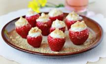 Căpșuni umplute cu cremă de brânză