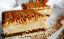 Prăjitură cu biscuiți și budincă