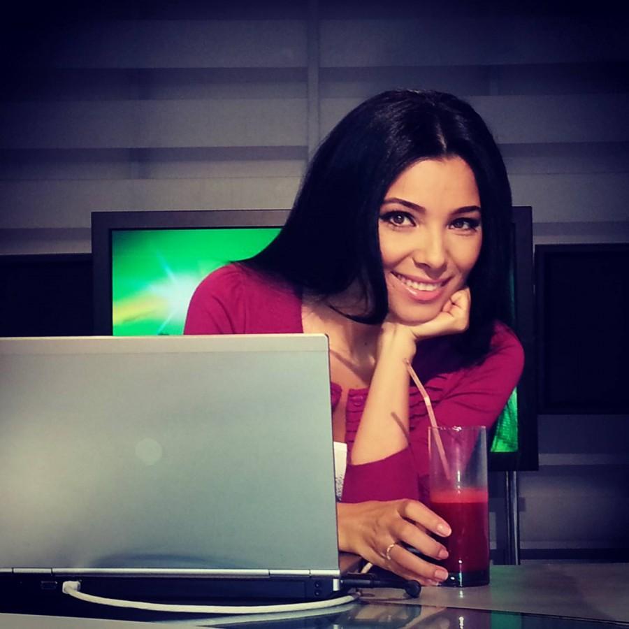 Corina  Caragea, de la prezentări de modă la prezentări de ştiri sportive