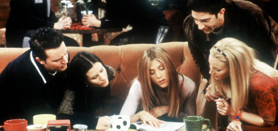 E364703 04: Matthew Perry, Courteney Cox Arquette, Jennifer Aniston, David Schwimmer and Lisa Kudrow star in Friends during year 6. (Courtesy of Warner Bros.)