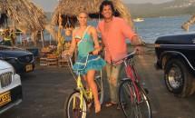 Nu o mai poate plimba pe Shakira cu bicicleta! Carlos Vives a fost jefuit!