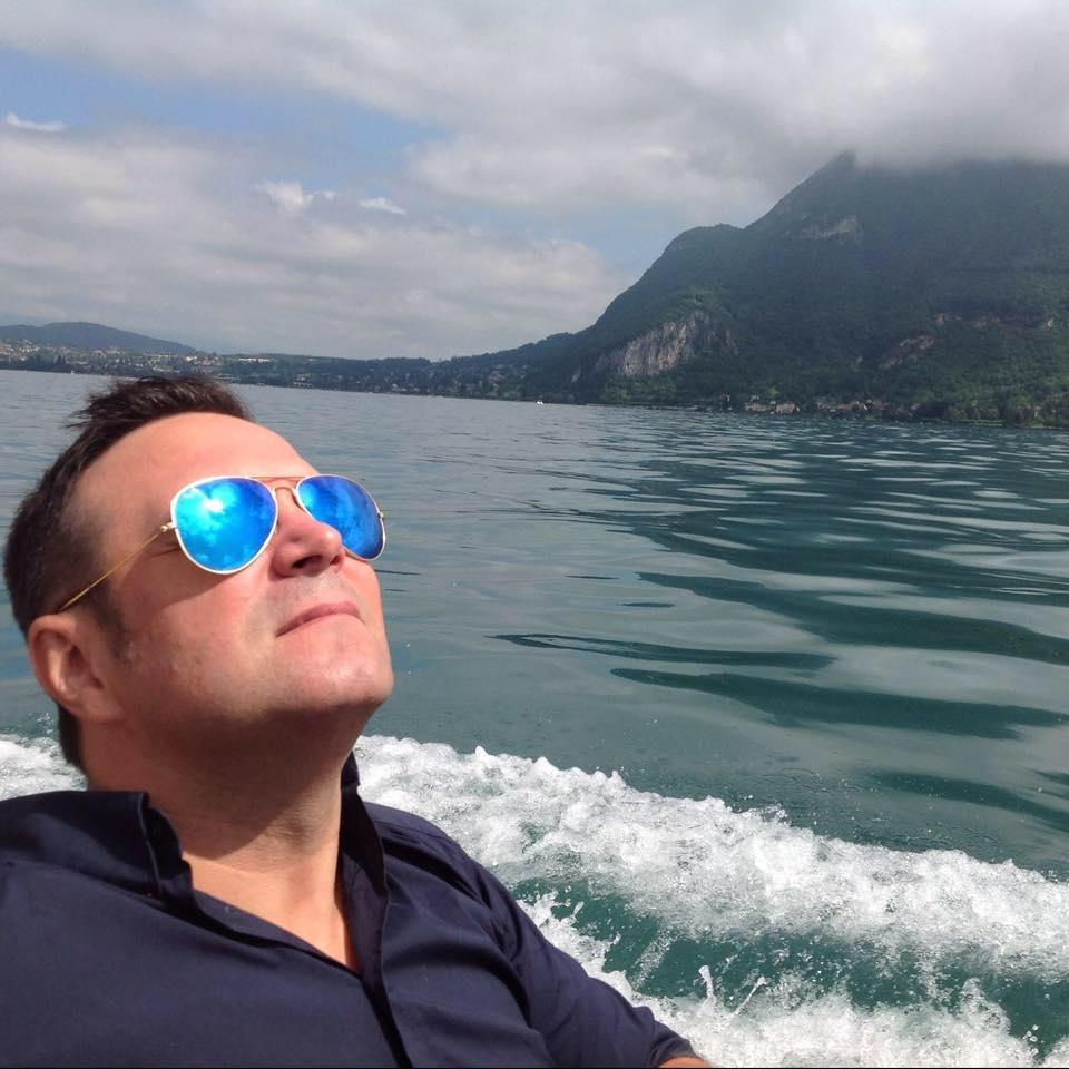 Daniel Buzdugan, fanul lui Antonis Remos! De ce Grecia e țara preferată a prezentatorului?