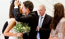 Andreea Berecleanu s-a căsătorit cu medicul Constantin Stan! Vezi imagini de la starea civilă!