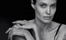 Angelina Jolie și-a luat copiii și a plecat în Malibu! Actrița, consolată de Johnny Depp în urma divorțului!