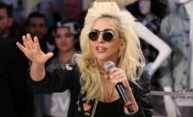 """Lady Gaga, enervată de faptul că lumea o compară cu Madonna! """"Pur şi simplu nu vreau să fiu comparată cu nimeni. Asta sunt eu, asta e povestea mea de viaţă, la fel ca a ta!"""""""