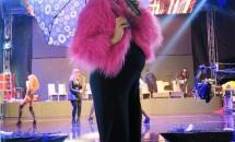 Andreea Bănică, ultimul concert înainte de a naște! Vedeta a cântat în frig și ploaie!
