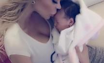 Bianca Drăgușanu, fotografie emoționantă alături de fetița ei! Vezi cum arată micuța!