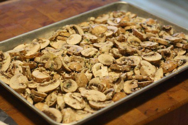 Ciuperci cu cimbru și Parmezan