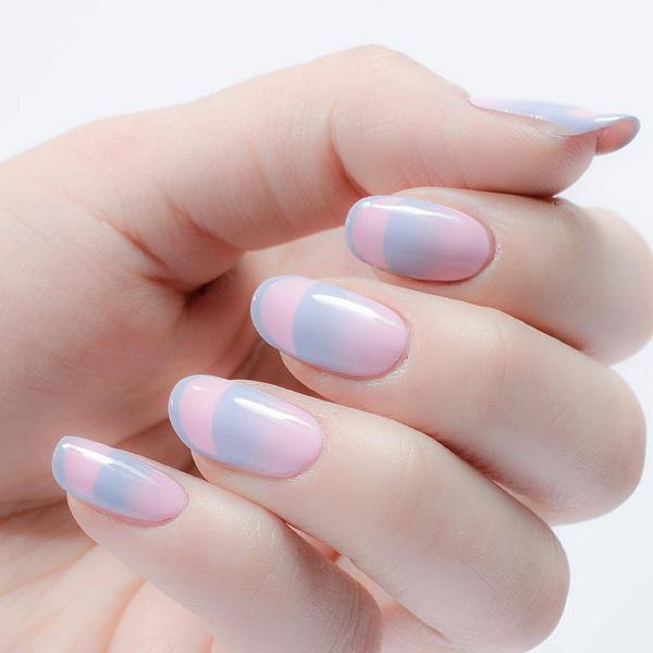 Modele de unghii albastru-seren