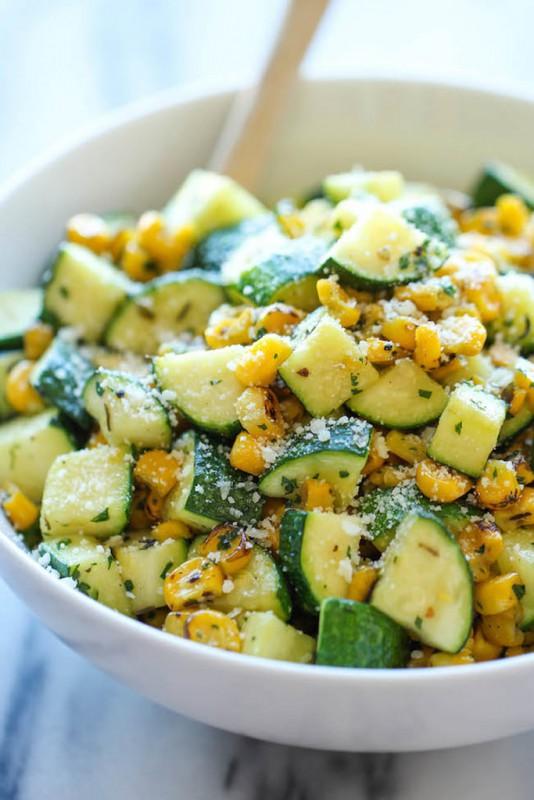 Zucchini cu porumb și Parmezan