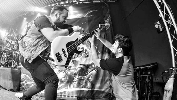 Instrumentele arse ale trupei Goodbye to Gravity au ajuns în studioul trupei Vița de Vie!