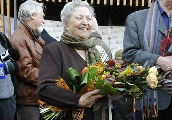 Draga Olteanu Matei împlinește astăzi 83 de ani!