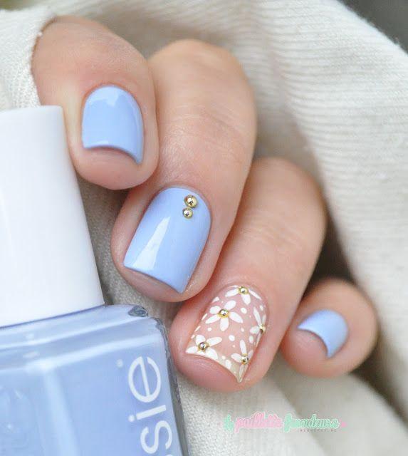 unghii albastru-seren