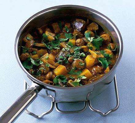 Amestec sotat cu pastă de curry
