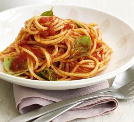 Sos de tomate și busuioc