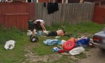 Google Street View face oamenii faimoși. Iată cum a ajuns celebră o familie de ruși bețivi