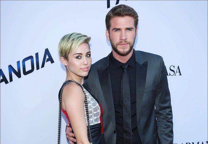 Miley Cyrus s-a căsătorit în noaptea de revelion