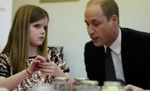 Prințul William a consolat într-un mod inedit o fetiță orfană de tată