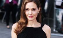 Angelina Jolie se reprofilează: de pe micile ecrane, direct pe eticheta unui parfum