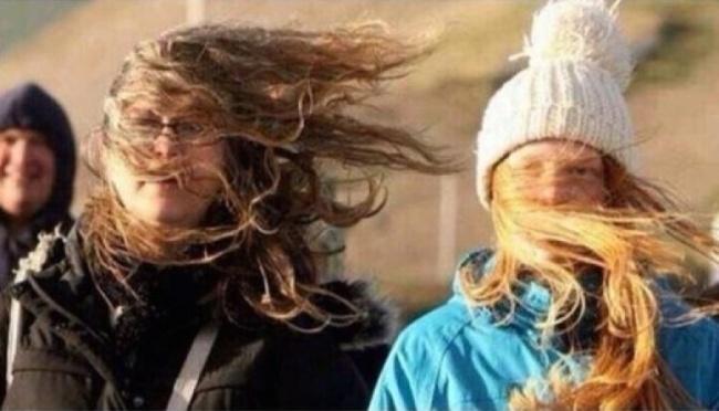 bate foarte tare vântul