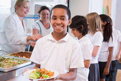 Ești curios ce conține prânzul copiilor din toata lumea