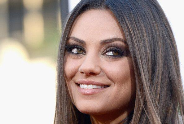 Mila Kunis a renovat în secret casa părinților ei
