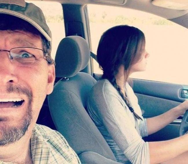 Reacţia tatălui meu la prima lecţie de şofat a surorii mele