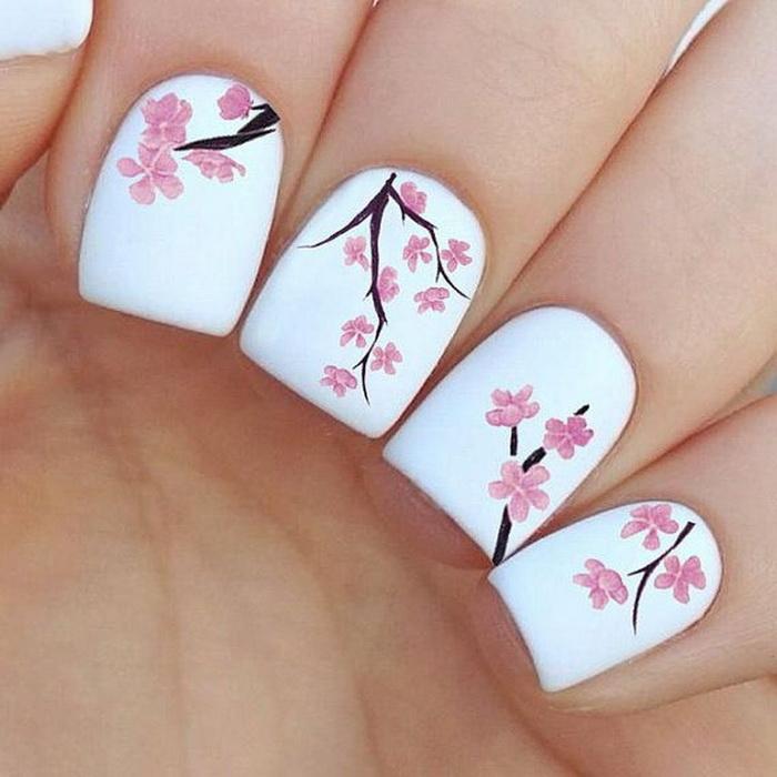unghii flori de cires