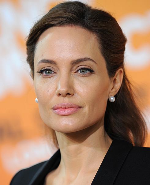 Angelina Jolie face declarații emoționante despre mama sa2