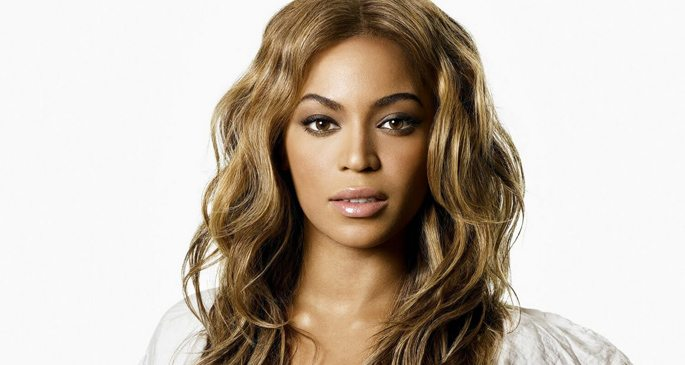 Beyonce va naște gemenii în locuința sa din Hollywood