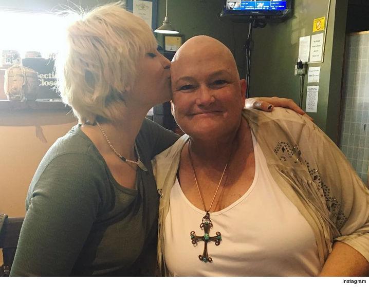 Cancerul la sân nu iartă. Fosta soţie a lui Michael Jackson este printre victime 3