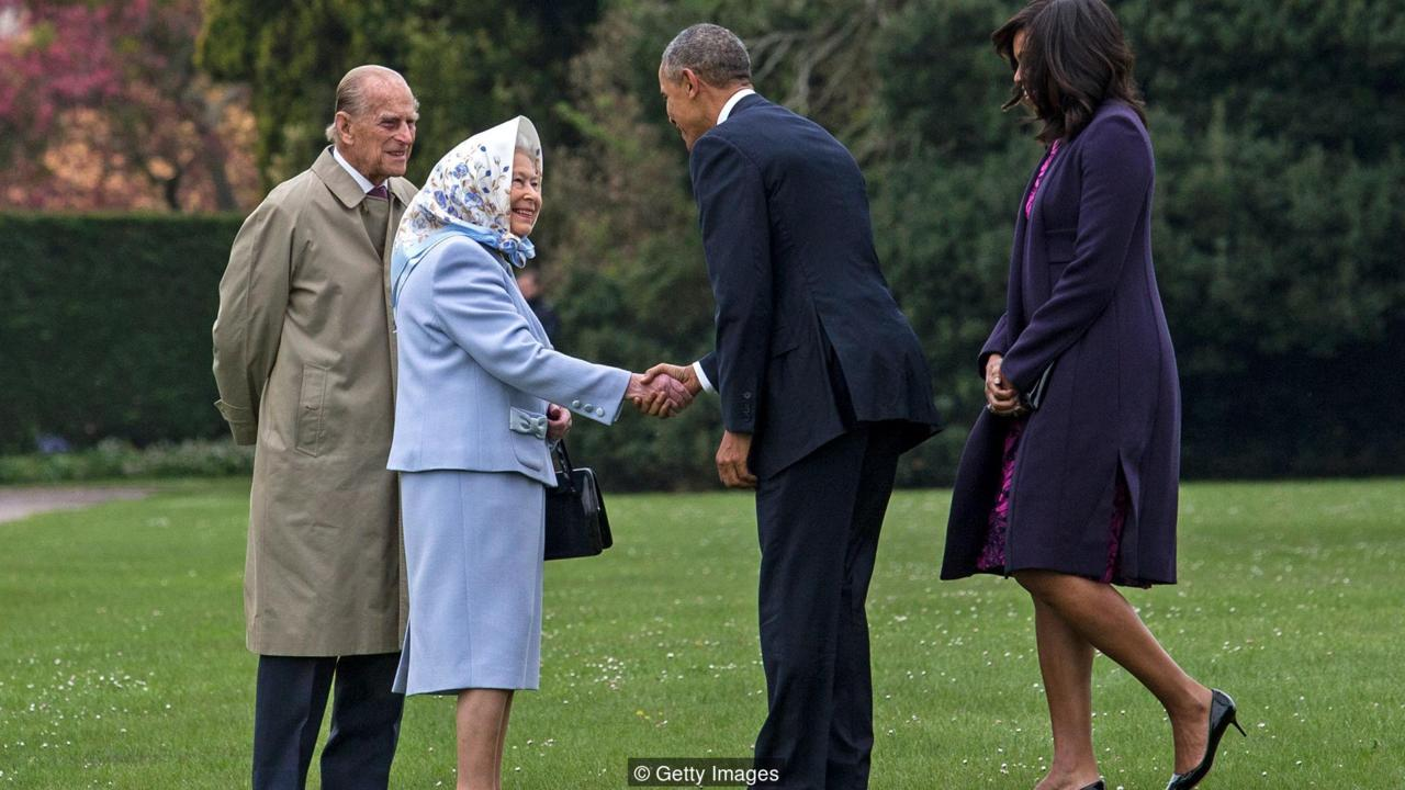 WINDSOR, ENGLAND - APRIL 22: US President Barack Obama and his wife First Lady Michelle Obama are greeted by Queen Elizabeth II and Prince Phillip, Duke of Edinburgh after landing by helicopter at Windsor Castle for a private lunch on April 22, 2016 in Windsor, England. The President and his wife are currently on a brief visit to the UK where they will have lunch with HM Queen Elizabeth II at Windsor Castle and dinner with Prince William and his wife Catherine, Duchess of Cambridge at Kensington Palace. Mr Obama will visit 10 Downing Street on Friday afternoon where he is to hold a joint press conference with British Prime Minister David Cameron and is expected to make his case for the UK to remain inside the European Union. (Photo by Jack Hill - WPA Pool/Getty Images)