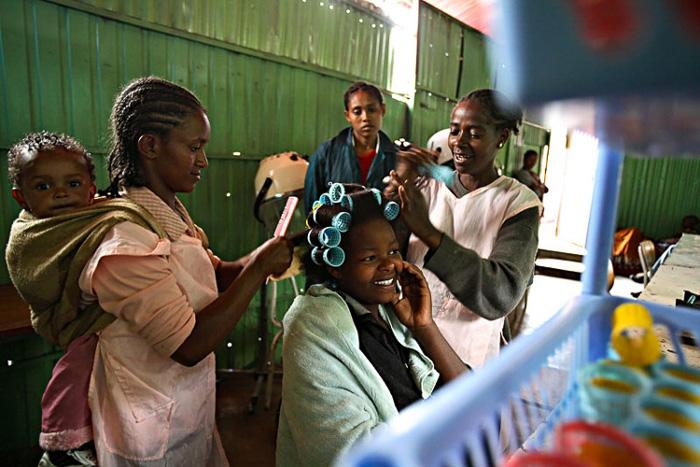 Dezvirginarea-bizară-a-unor-fete-tinere-din-Malawi