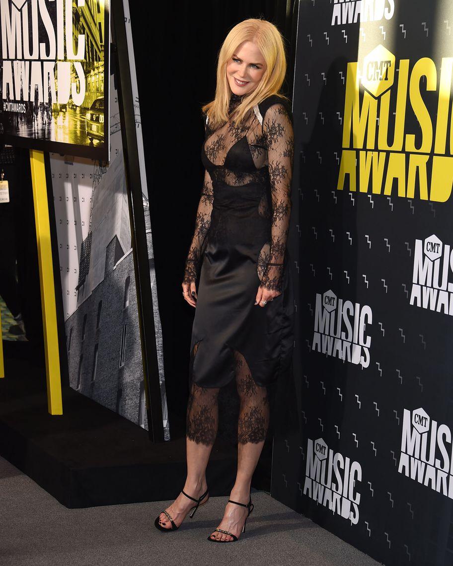 Mandatory Credit: Photo by Jim Smeal/BEI/Shutterstock (8860246a) Nicole Kidman CMT Music Awards, Arrivals, Nashville, USA - 07 Jun 2017