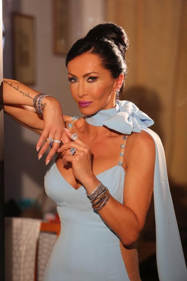 Mihaela Rădulescu este de nerecunoscut! Cum arată vedeta din cauza unui machiaj nereușit2