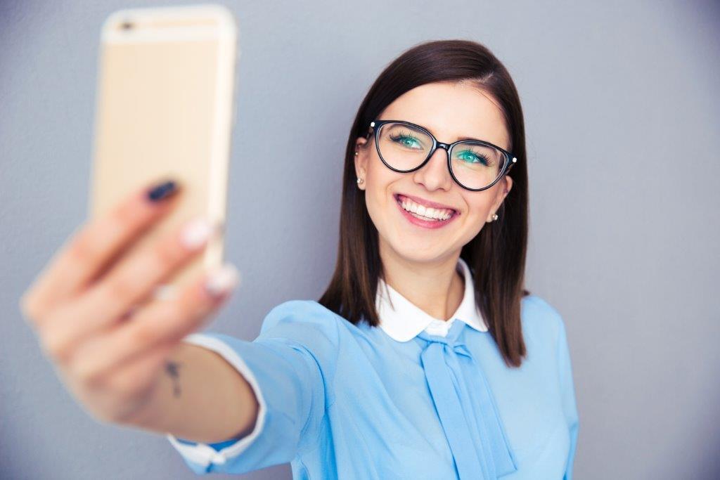 """S-a descoperit o nouă boală mintală. Selfie-ul este din ce în ce mai """"periculos 3"""