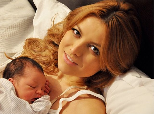 Vezi cum o să nască Elena Gheorghe! Natural sau Cezariană 4