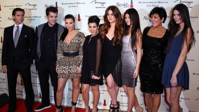 Aşa mamă, aşa fiice, aşa nepoţi - Kris Jenner are 61 de ani! 2