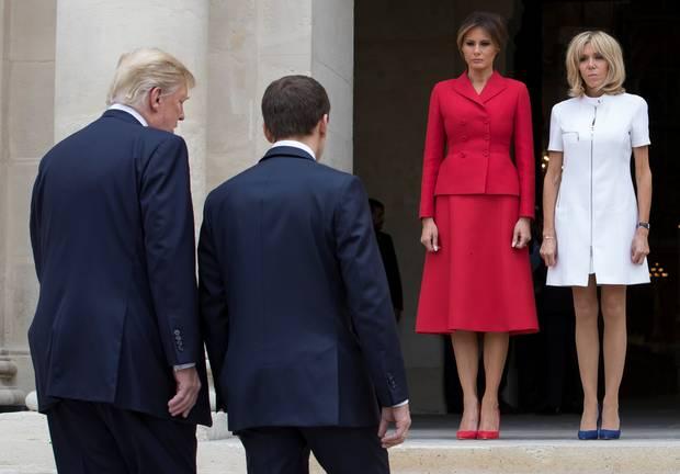 Melania Trump şi Brigitte Macron se întrec în ţinute scumpe 2