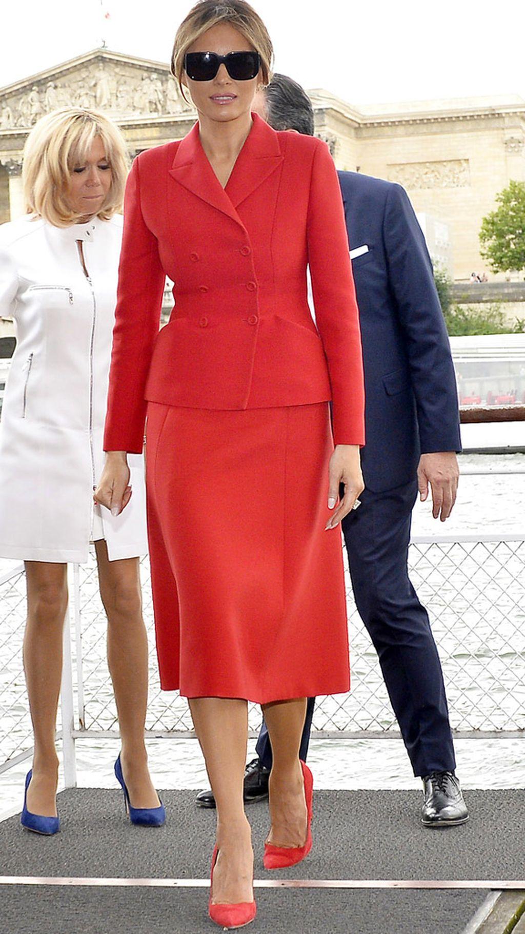 Melania Trump şi Brigitte Macron se întrec în ţinute scumpe 3