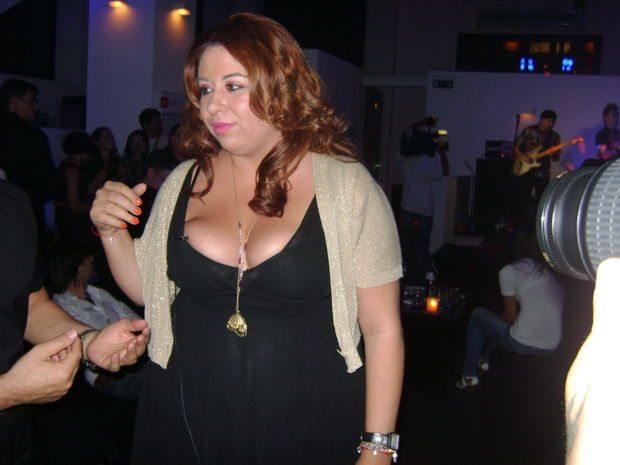 Oana Roman uimeşte din nou îşi va opera sânii 2