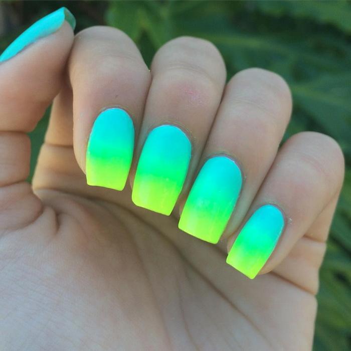 unghii ombre neon