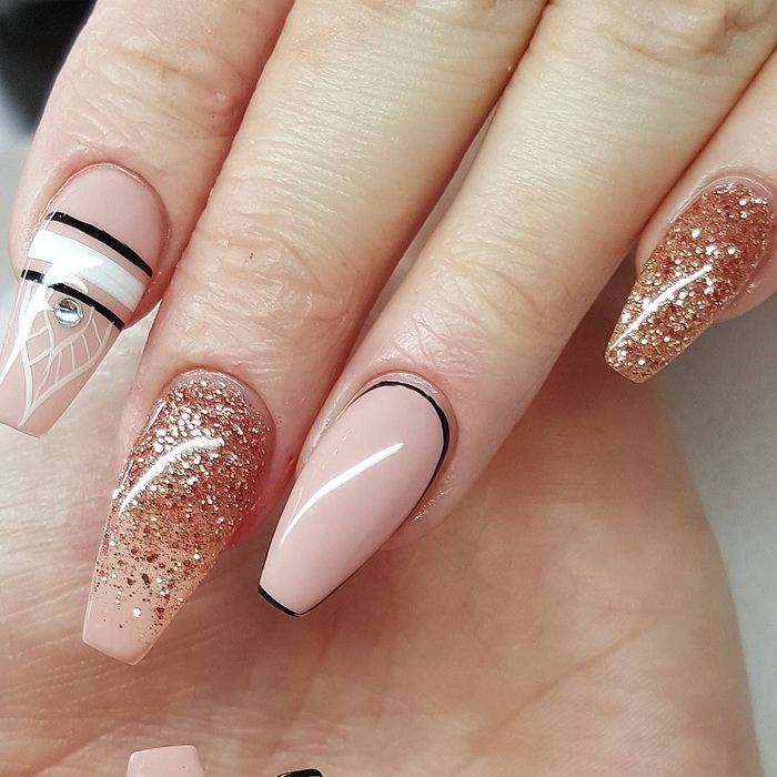 unghii roz nude