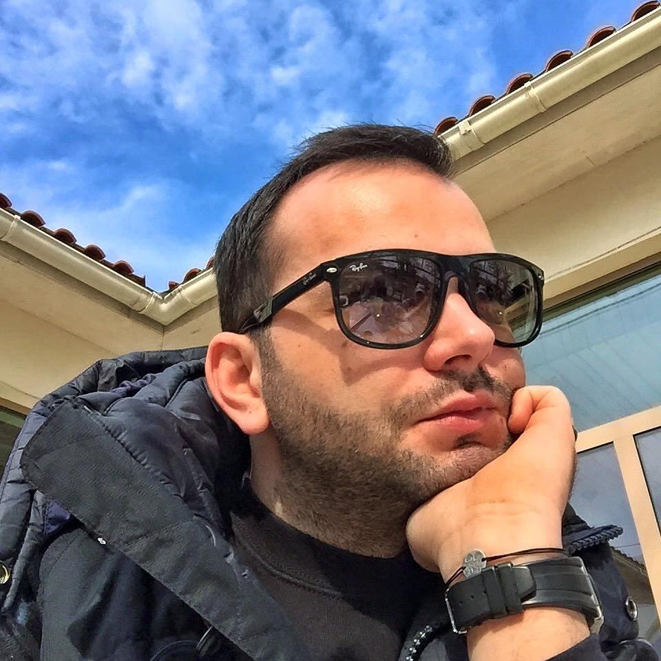 Mihai Morar nu își neglijează fanii nici când se află în vacanță. Iată ce a scris acesta pe o rețea de socializare