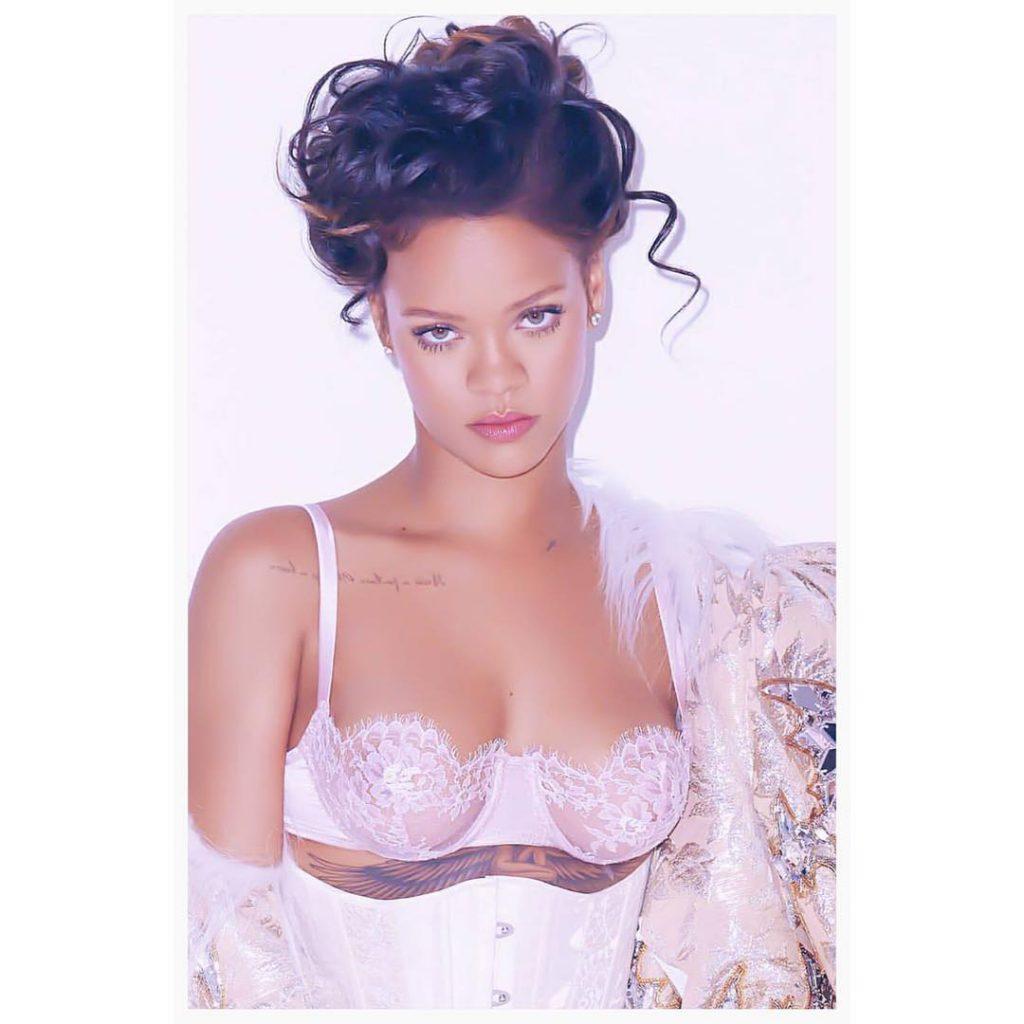 Rihanna-in-ID-Sarrieri